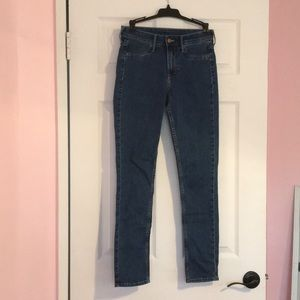 H&M medium wash ankle jeans Size 26